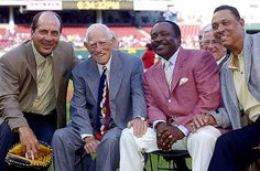 Cincinnati Reds alum in 2005. Johnny Bench - Sparky Anderson - Joe Morgan -Tony Perez via Flickr