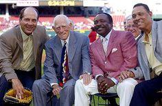 Cincinnati Reds alum in 2005. Johnny Bench - Sparky Anderson - Joe Morgan -Tony Perez