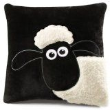 Shaun the Sheep pillow by Aardman. Cute Pillows, Baby Pillows, Throw Pillows, Shaun The Sheep, Sheep And Lamb, Fabric Crafts, Sewing Crafts, Sewing Projects, Sheep Crafts