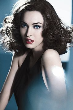 dramatic eyes, red lipstick, big curls...that's sexy