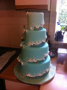 Water cake - very creative, effective, & efficient way to interpret waves and foam.