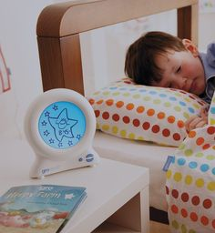Clock That Teach Tots to Stay in Bed
