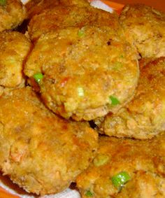 Please visit my daily recipe page: Seasonal and Holiday Recipe Exchange * link button below Salmon Recipes, Fish Recipes, Seafood Recipes, Fish Dishes, Seafood Dishes, Main Dishes, Salmon Patties Recipe, Salmon Croquettes Recipe With Cornmeal, Fish Patties