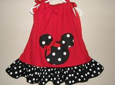 Minnie Mouse pillowcase dress. What if you did pink? @Susan Caron Howell