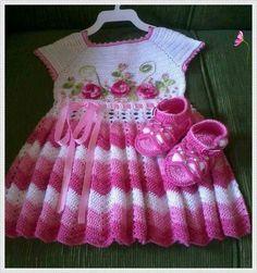 Baby Crochet Patterns Part 12 - Beautiful Crochet Patterns and Knitting Patterns Crochet Dress Girl, Crochet Baby Dress Pattern, Baby Dress Patterns, Baby Girl Crochet, Crochet Baby Clothes, Crochet For Kids, Knit Crochet, Crochet Dresses, Kids Fashion
