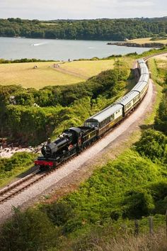 A steam train on the Dartmouth Steam Railway line Agatha Christie, Steam Railway, Jurassic Coast, Devon And Cornwall, Uk Holidays, Family Days Out, Train Tracks, Great Britain, Great Places