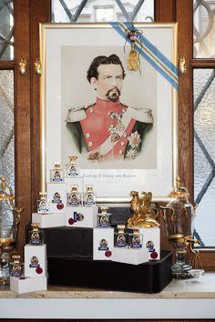 """"""" Parfümerie Brückner Bublitz – ehemals königlich bayerischer Hoflieferant"""". Stolz sind wir bis heute auf dieses am 11. März 1905 verliehene Prädikat. Der Nachfolger des sagenumwobenen Märchenkönigs Ludwig II. Prinzregent Luitpold von Bayern   erteilte uns diese, zu damaliger Zeit, größte Ehre. Ludwig, Gallery Wall, Frame, Home Decor, Bavaria, Pride, Picture Frame, Decoration Home, Room Decor"""