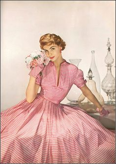 Georgia Hamilton in dress of white and pink striped silk by Mollie Parnis, photo by Louise Dahl-Wolfe, Harper's Bazaar, April 1952 Moda Retro, Moda Vintage, Vintage Glam, Vintage Beauty, Vintage Style, Fifties Fashion, Retro Fashion, Vintage Fashion, Club Fashion