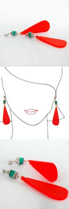 Handmade earrings. Unique piece.  Online shop: http://en.dawanda.com/shop/caixademistos. See all the collection: www.caixademistos.com