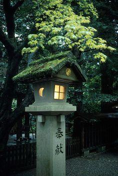 Japanese garden and sculptures    japanlove:    Little light by Ganjin on Flickr.
