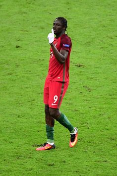 Eder of Portugal celebrates his winning goal during the European Championship Final between Portugal and France at Stade de France on July 10 2016 in. Psg, Portugal National Team, We Are The Champions, 2016 Pictures, World Football, European Championships, July 10, Football Players