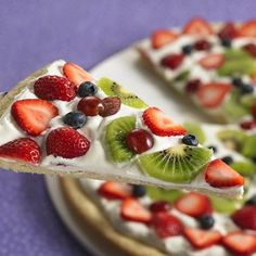Spring fruit pizza made with sugar cookie dough and Betty Crocker cream cheese frosting. Dessert Pizza, Pizza Fruit, Fruit Pie, Fruit Dessert, Cheese Fruit, Pizza Food, Fruit Pizza Recipes, Breakfast Fruit Pizza Recipe, Desert Pizza Recipes