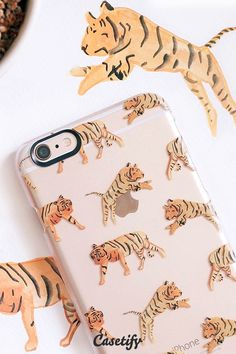 Click through to see more protective iPhone 6 phone case designs by @saracombs >>> https://www.casetify.com/de_DE/saracombs/collection #animal | @casetify