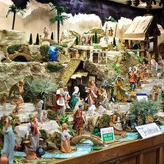 pictures of Fontanini nativity displays Christmas Manger, Christmas In Italy, Christmas Village Houses, Christmas Nativity Scene, Christmas Villages, Christmas Traditions, Christmas Holidays, Christmas Decorations, Fontanini Nativity