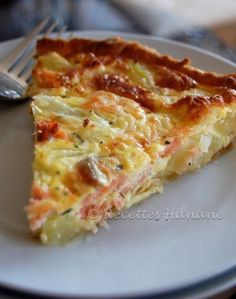Potato and salmon pie www. Quiches, Omelettes, Fish Recipes, Seafood Recipes, Salmon Pie, Tapas, Cooking Time, Cooking Recipes, Salty Foods