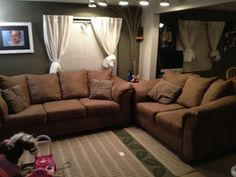 Sofa/couch and matching loveseat in Puyallup, WA (sells for $700)/