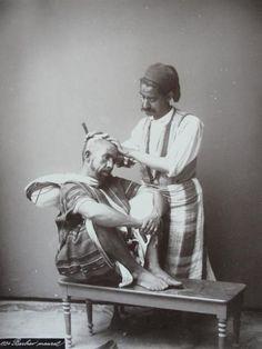 Pod koniec XIX wieku hrabia Karol Lanckoroński odwiedził Bliski Wschód.   Zdjęcia ze świata islamu dzięki uprzejmości Polska Akademia Umiejętności