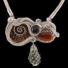 Colier statement cu amonit Wire Wrapped Jewelry, Wire Wrapping, Flamingo, Handmade Jewelry, Wraps, Jewellery, Flamingo Bird, Jewels, Jewelry Shop