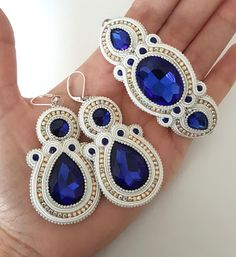 Soutache Earrings Shibori Hair Clips Dyi Beading Build Your Own How To Make Crafts Knifes Soutache Jewelry Gold Bridal Earrings, Beaded Earrings, Bridal Jewelry, Boho Jewelry, Bead Embroidery Tutorial, Bead Embroidery Jewelry, Soutache Bracelet, Soutache Jewelry, Handmade Beaded Jewelry