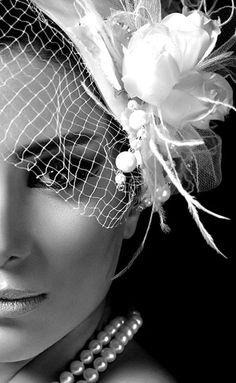 love the black & white contrast