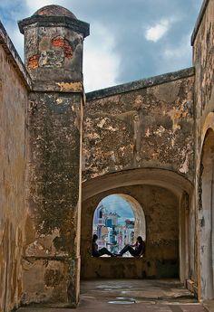 Ventana hacia el Viejo San Juan