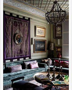 @botanicaetcetera  The home of Serdar Gülgün No.2. #serdargulgun #decorator #designer #author #lux #elegant #interior #architecture #interiordesign #interiordecor #living #lifestyle #decor #luxury #suave #istanbul #turkey #art #sofa #wallhanging #velvet #renowned #talented #bosphorus #