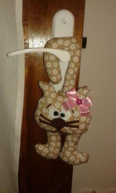cat handmade Birthday Candles, Door Handles, Cats, Handmade, Home Decor, Gatos, Homemade Home Decor, Hand Made, Craft