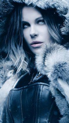 Kate, simple y sencillamente; me encantas... Atte. Macx.