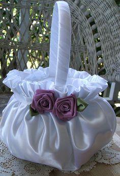 Flor chica cesta boda hecha a mano del Flowergirl floración en marfil o blanco elige el Color de rosa