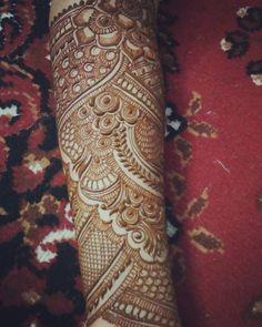 No photo description available. Wedding Henna Designs, Latest Arabic Mehndi Designs, Floral Henna Designs, Latest Bridal Mehndi Designs, Indian Mehndi Designs, Mehndi Designs 2018, Mehndi Designs For Girls, Unique Mehndi Designs, Beautiful Mehndi Design