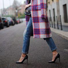 Winter looks: Statement coat Look Fashion, Street Fashion, Womens Fashion, Fashion Trends, Fall Fashion, Tartan Fashion, Skinny Fashion, Travel Fashion, Fashion Bloggers