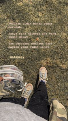Quotes Rindu, Drama Quotes, Message Quotes, Reminder Quotes, Hurt Quotes, Tumblr Quotes, Poetry Quotes, Mood Quotes, Daily Quotes