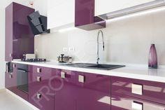 Bucătărie Grape - Mobilier La Comandă - Fabrică București Bathroom Lighting, Mirror, Kitchen, Furniture, Design, Home Decor, Bathroom Light Fittings, Bathroom Vanity Lighting, Cooking