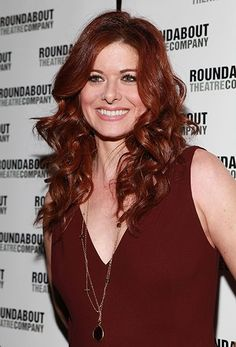 Debra Messing's rich, Medium Brown Red Copper hair is a lovely complement to her pink skin tone and amber eyes. Find you own most flattering #hair #color shade to cover gray hair at home here: http://www.haircolorforwomen.com/breakthrough-hair-color-system-your-salon-doesnt-want-you-to-know-about-p/