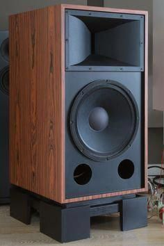 Very high quality loudspeaker kits, components, upgrades, modifications and custom solutions. Humble Homemade Hifi - the one stop loudspeaker shop. Pro Audio Speakers, Big Speakers, Audiophile Speakers, Horn Speakers, Hifi Audio, Bluetooth Speakers, Hifi Stereo, Bookshelf Speakers, Surround Sound