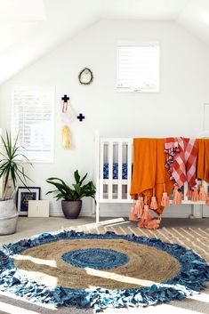 Buying a rug can be daunting so we asked some experts to help demystify the process, whatever your budget. Decor Interior Design, Interior Decorating, Big Rugs, White Rug, Indoor Outdoor Rugs, Rug Making, Household Items, Accent Pieces, Minimalism