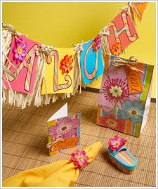 DIY Hawaiian Party ideas. Makes me want my own party! #FaveCrafts