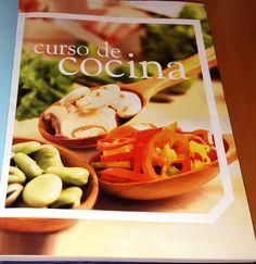 Título: Curso de cocina / Ubicación: FCCTP – Gastronomía – Tercer piso / Código: G 641.5 C8