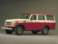 1967 — Production of the began. The was a station wagon version based Toyota Lc, Toyota Trucks, Mercedes Gl, Montage Photo, Old Classic Cars, Jeep 4x4, Japanese Cars, Station Wagon, Old Trucks