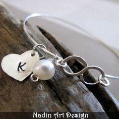 Silberarmband mit Herz- und Perlenanhänger von NadinArtDesign auf DaWanda.com