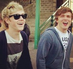 Josh Devine and Niall Horan! You okay there Josh? One Direction Imagines, One Direction Pictures, I Love One Direction, Boys Who, My Boys, Freaking Hilarious, Five Guys, James Horan, All Family
