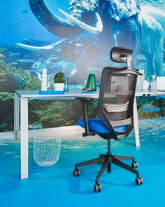 Great ideas are coming great comfort! #office #creative #ideas #chair #officechair #ergonomic #functional #workiteasy Coworking Space, Gaming Chair, Easy, Creative Ideas, Home Decor, Modern Office Spaces, Modern Living, Workplace, Diy Creative Ideas