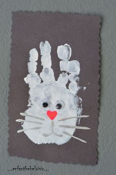 An Easter bunny - painting with a footprint - child baby leisure - An idea of painting with the imprint of the hand, ideal for baby& first activities and - Toddler Crafts Valentines Day, Spring Toddler Crafts, Easter Crafts For Toddlers, Crafts For 2 Year Olds, Easter Activities, Spring Crafts, Daycare Crafts, Preschool Crafts, Easter Art