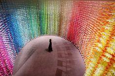 Instalação colorida no Japão tem mais de 25 mil flores de papel (Foto: Divulgação )