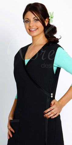 Vorei Designs. This Stylish Wrap with Pockets is a suitable uniform to be worn as a Day Spa Uniform, Dental Uniform or Haidressing Uniform . Order Today!