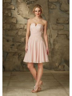 A-Line Strapless Short Pink Chiffon and Lace Bridesmaid Dresses 5602080