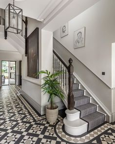 Entrance Hall Decor, Hallway Ideas Entrance Narrow, House Entrance, Entrance Halls, Stairs And Hallway Ideas, Banister Ideas, Entry Stairs, Hall Tiles, Tiled Hallway