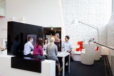 Alberga A-talon aulassa on loistavia tiloja myös neuvotteluille Meeting Rooms, Offices, Parks, Conference Room, Desk, Business, Table, Furniture, Home Decor