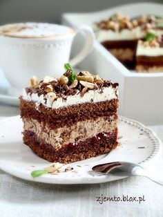 Hazelnut and chocolate cake - HQ Recipes Drink Recipe Book, Delicious Desserts, Yummy Food, Polish Recipes, Polish Food, Different Cakes, Baking Tins, Food Cakes, Savoury Cake