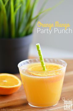 Orange Mango Party Punch: This refreshing orange mango punch is perfect for your next holiday such as Easter or Mother's Day or at your next celebration! Great choice also for a wedding shower or baby shower. It features fruit juices and bubbles but no soda! #MiniChefMondays